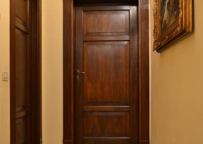Porta massiccia Mod. MD900 in noce